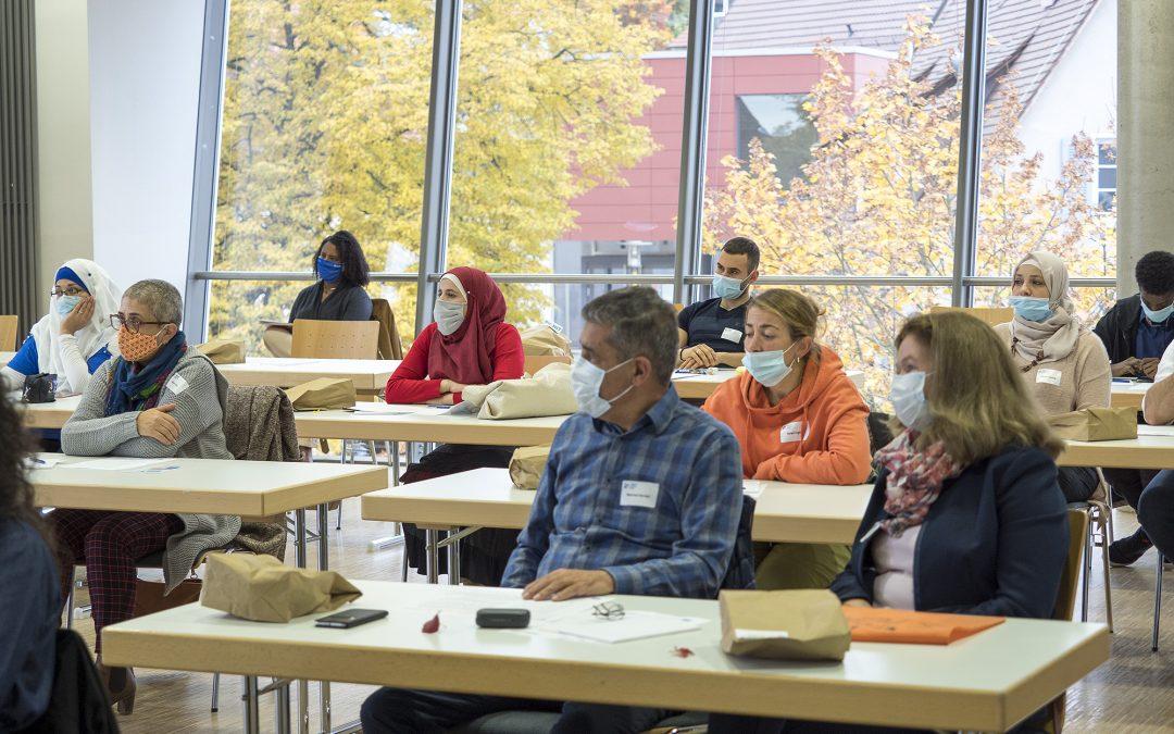 Erste MIT-Konferenz informiert über MIT-Trainings